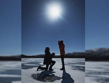 Angel da Victoria's Secret Josephine Skriver é pedida em casamento sob o crepúsculo