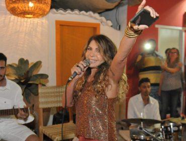 Elba Ramalho reúne Alinne Rosa, Margareth Menezes, Mariene de Castro e Padre Fábio de Melo em show fervido