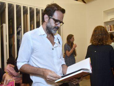 Carpintaria recebe turma artsy para lançamento do livro de Beatriz Milhazes no Rio