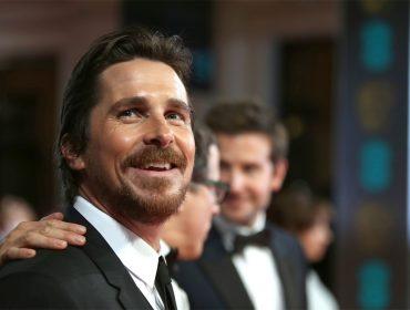 """Christian Bale sobre encontro com Donald Trump em 2011: """"Ele achou que eu era Bruce Wayne!"""""""