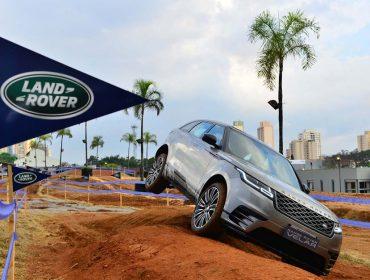Land Rover comemora 70 anos com comboio pelas ruas de São Paulo