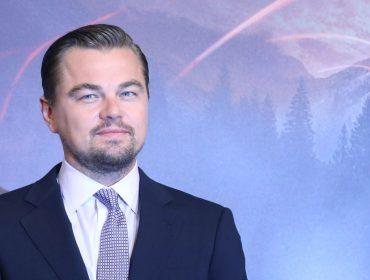 Leo DiCaprio faz oferta de quase R$ 10 mi por esqueleto de dinossauro exposto na Art Basel de Miami