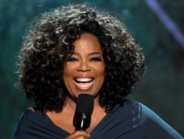 Poderosa! Oprah comete gafe ao assistir peça da Broadway e mesmo assim recebe tratamento vip
