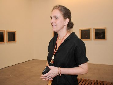 """Mostra """"Bordando Arte: Cildo Meireles"""" em parceria com Casa do Coração é aberta na Galeria Luisa Strina"""