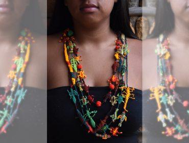 Desejo do Dia: colares feitos por comunidade tupiniquim sob curadoria de Renato Imbroisi
