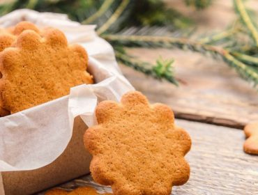Carole Crema ensina receita de biscoitos de gengibre para o Natal