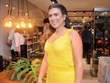 Karina Salomão Alonso e Fabio Alonso recebem convidados na inauguração da Sierra Móveis Gabriel
