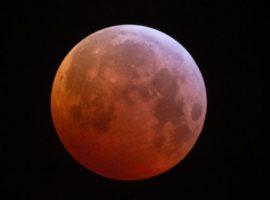 Eclipse Lunar causa agitação, acelerando tendências futuras e o novo… Vem ler!
