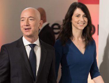 Extra! Jeff Bezos, o homem mais rico do mundo, anuncia no Twitter que vai se divorciar