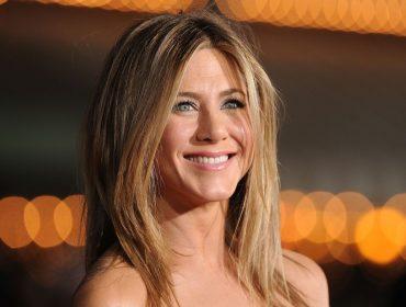 Botox, preenchimento labial, e mais: saiba o que Jen Aniston está fazendo para chegar chegando nos 50