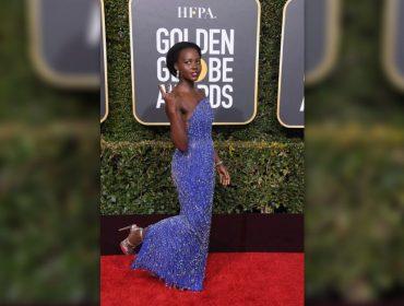 Uma das mais bem vestidas do Globo de Ouro, Lupita Nyong'o usou sandálias de R$ 167 na premiação