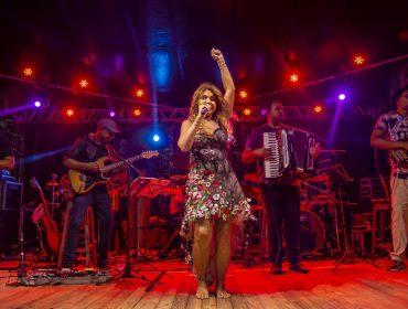 Elba Ramalho encerra temporada de shows em Trancoso