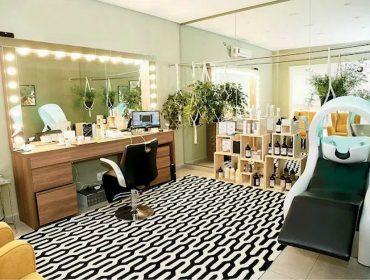 Após o boom dos tratamentos express, a ordem é relaxar nos salões de beleza com experiências off-line e recarregar as energias