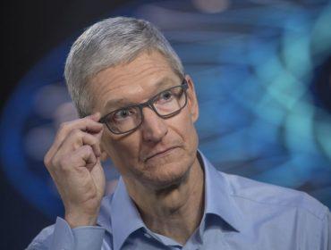 Revelação feita por Tim Cook sobre vendas do iPhone custou quase R$ 200 bi à Apple nessa quarta-feira