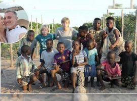 Angélica e Luciano Huck fazem viagem imersiva pela África com os filhos. Vem saber!