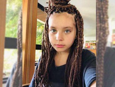 Aos 10 anos, Flor Gil Demasi mostra que tem estilo e adere às tranças afro