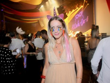Glamurettes entram no clima do Carnaval para curtir o Folia Glamurama na festa 'Allah-La-Ô'