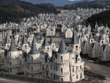 De complexo residencial luxuoso a fiasco: conheça o Burj Al Babas, o maior elefante branco imobiliário da Turquia