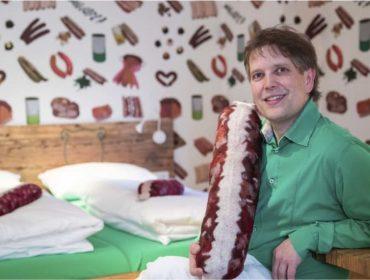 Conheça o hotel inteiramente dedicado às salsichas que é a nova sensação da hotelaria na Alemanha