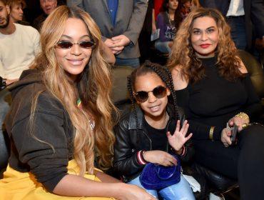 Mãe de Beyoncé diz que neta, Blue Ivy, é a rainha da casa e fala sobre a personalidade dos gêmeos, Rumi e Sir