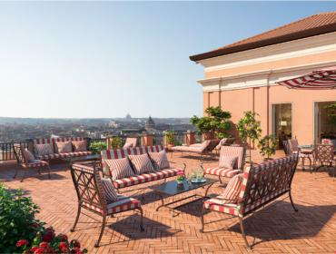 Com ares renascentistas, o novíssimo Hotel de la Ville se prepara para abrir suas portas em Roma