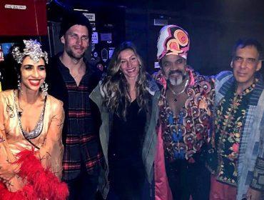 """Gisele Bündchen e Tom Brady ganham """"vale night"""" e curtem show dos Tribalistas em Boston"""
