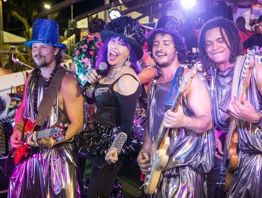 Um giro pelos blocos e famosos que curtiram a segunda-feira de Carnaval em Salvador
