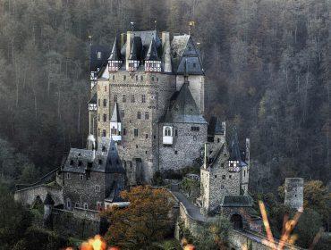 De inspiração para Bela Adormecida à casa de Frankenstein: 10 castelos incríveis para conhecer na Alemanha