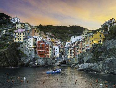 A partir de agora, andar de chinelos em Cinque Terre, na Itália, pode render multa de R$ 10 mil