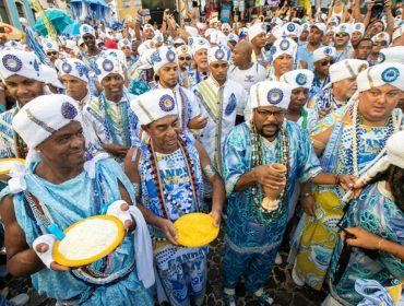 Filhos de Gandhy comemoram os 70 anos com desfile no Largo do Pelourinho