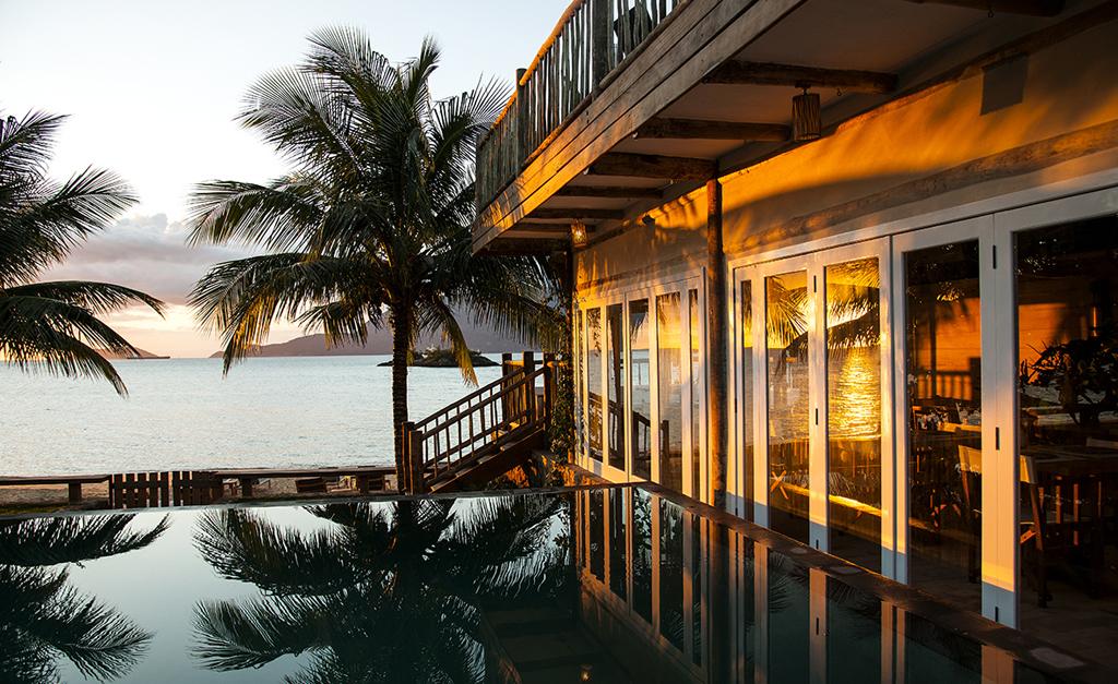 adfd1163dd3 TW Guaimbê  um paraíso de luxo em meio à natureza de Ilhabela ...