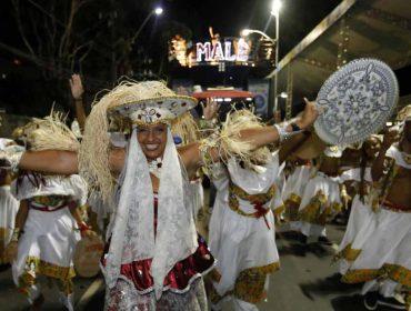 Sábado de Carnaval em Salvador tem saída do Ilê e blocos afro ocupam avenida
