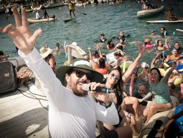 Carnaval Náutico reúne 150 embarcações com shows de Tuca Fernandes e DJ Cady