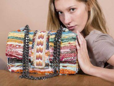 Bolsas artesanais e exclusivas da Bélier.Bélier estão no Berinjela. Só chegar!