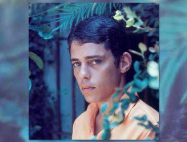 Chico Buarque ganha fotobiografia com 210 imagens do artista em momentos raros