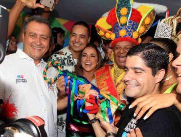 """""""Que seja um Carnaval de paz e união"""", afirma Rui Costa, governador da Bahia, na abertura da festa"""