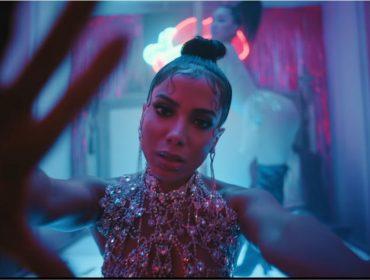 """Jornalista britânico se derrete em elogios para """"Kisses"""", o álbum recém-lançado de Anitta"""
