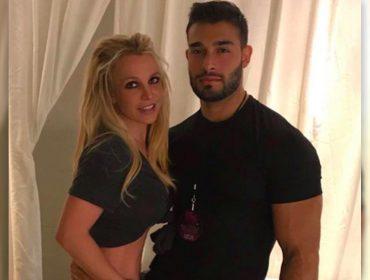 Britney Spears recebe a visita do namorado depois de 20 dias internada em clínica de saúde mental