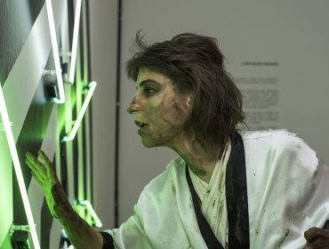 Em temporada no Brasil, Marianne Brepohl apresenta performance e exposição em Curitiba