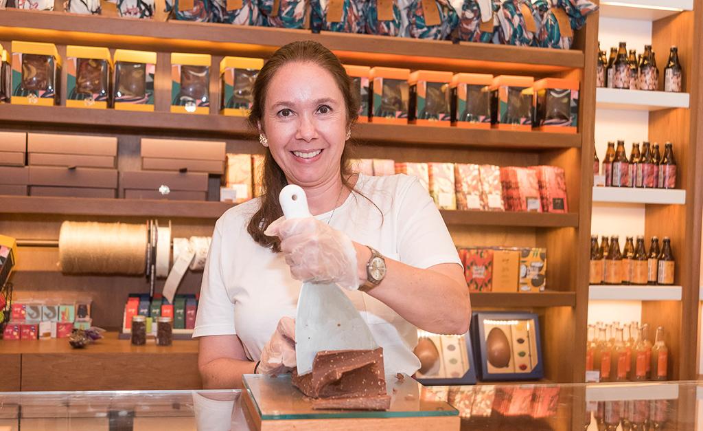 b3af653b6 Inauguração de loja da Dengo Chocolates agita shopping Leblon no Rio ...