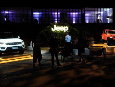 Modelos poderosos da Jeep do Brasil estacionam no SPFW