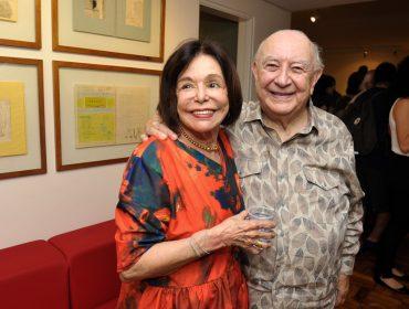 Regina Boni arma encontro surpresa para comemorar aniversário de Sergio Mamberti