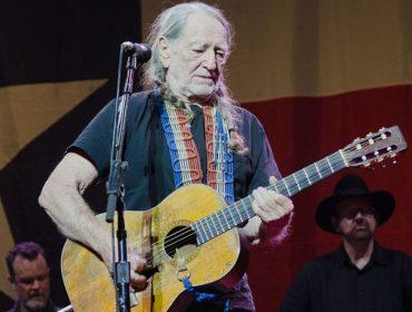 Willie Nelson revela que tem 70 cavalos em seu rancho, todos salvos pelo cantor do abatedouro