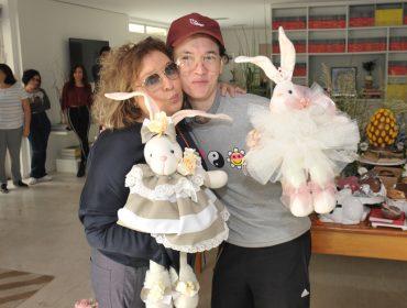Batalha dos ovos: Joyce Pascowitch e Johnny Luxo arrasam na degustação de Páscoa do Glamurama