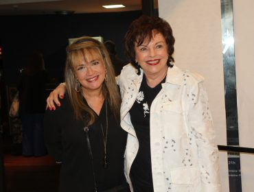 O CIAM organizou noite beneficente com sessão especial do musical 'Forever Young' no Teatro Folha