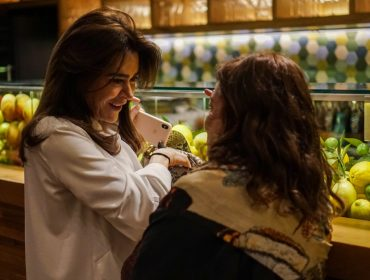 Silvana Tinelli promove noite de autógrafos do livro que conta suas vivências pela Itália