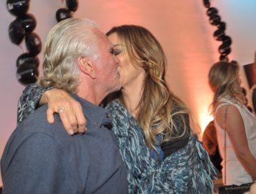 """Mônica Martelli e Fernando Altério fazem primeira aparição juntos na festa do Glamurama: """"Está tudo incrível"""""""