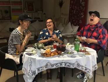 Play para rir com o papo entre Joyce Pascowitch, Zé Pedro e Johnny Luxo com as melhores histórias de mãe