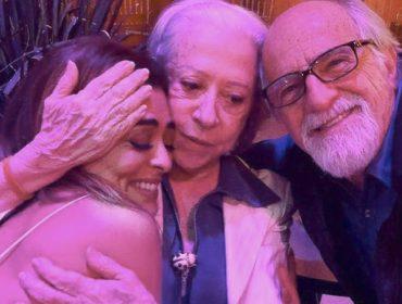 Fernanda Montenegro comemora o Dia do Abraço com fotos fofas do elenco de 'A Dona do Pedaço'