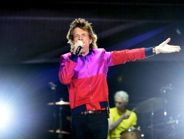 Mick Jagger mostra que o coração está novinho em folha do melhor jeito: dançando!